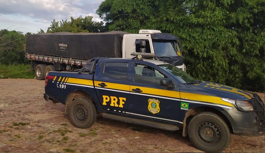 28 toneladas de milho sem nota fiscal com destino a Juazeiro (BA) é apreendida pela PRF - Portal Spy Notícias de Juazeiro e Petrolina