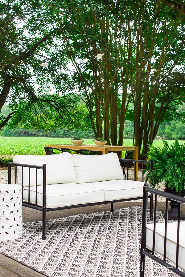 Modern classic patio design