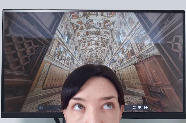 Selfie with the ceiling of the Sistine Chapel