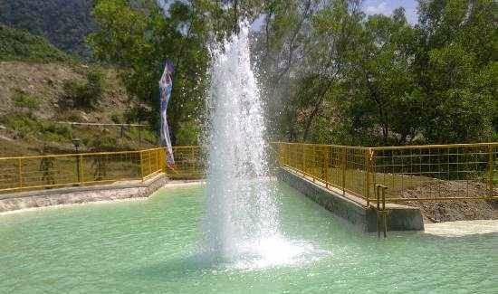 Bannyu Panas Palimanan : tempat wisata di cirebon yang alami dan sehat