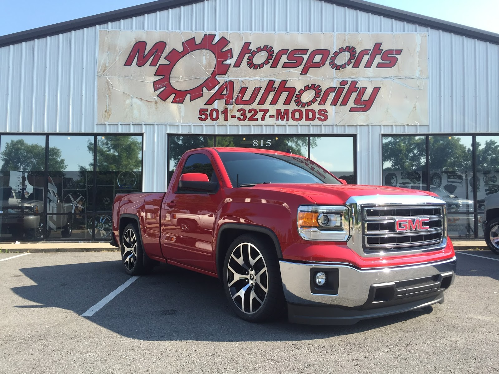 Motorsports authority msa 2015 chevrolet silverados lifted 2015 chevrolet silverados lifted and lowered sciox Image collections