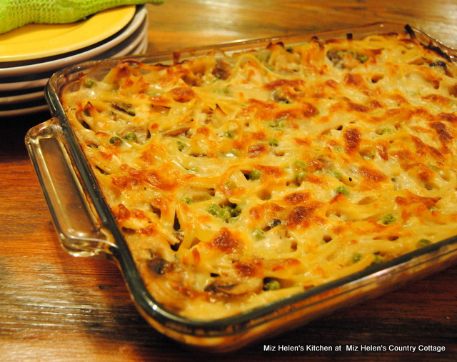 Chicken Tetrazzini at Miz Helen's Country Cottage