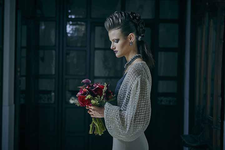 peinados de novia con trenza y tupe 2020