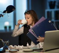 Pengertian Workaholic, Tanda, dan Perbedaannya dengan Pekerja Keras