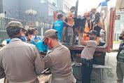 Polsek Tambora Bersama Tiga Pilar Kerja Bakti di Lokasi Kebakaran