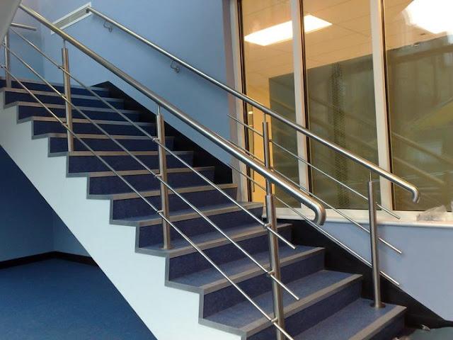cầu thang inox đơn giản