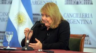 """Carrió denunció un """"pacto secreto"""" entre el oficialismo y el FPV para no incomodar a la canciller con ese tema"""