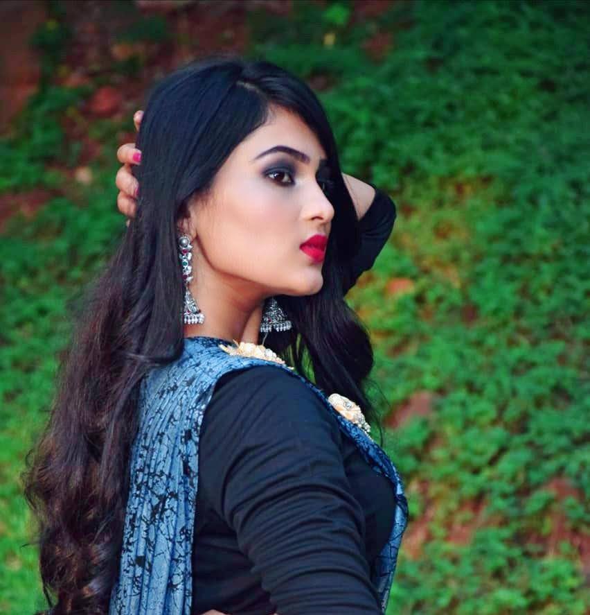 Nayana Raj 7