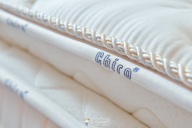 Closer look at the details of  Dreamland Chiro Latex/Gel Mattress