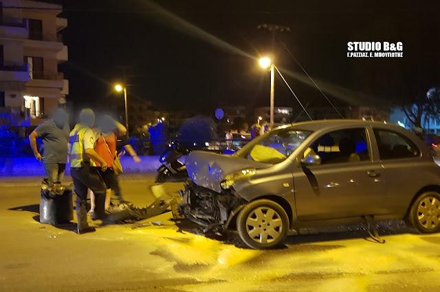 Σύγκρουση αυτοκινήτων τη νύχτα στο Ναύπλιο