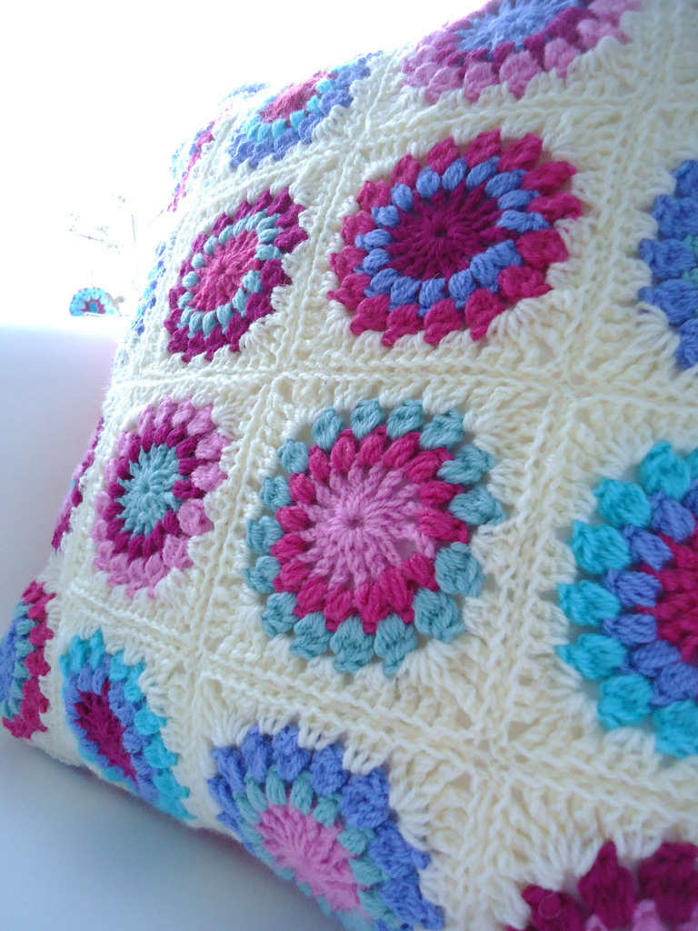 1668.- Patrones de ganchillo: Sunburst granny square - LABORES EN RED