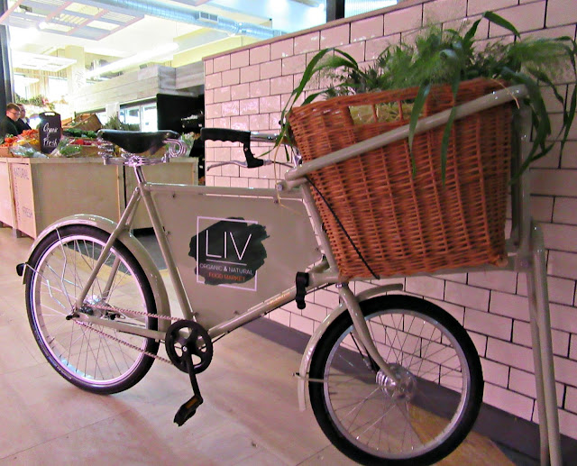 LIV organic & natural food market
