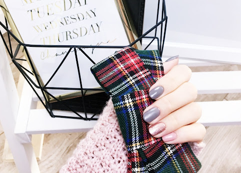 Piękne dłonie i piękne paznokcie. Jak zadbać o dłonie zimą? Pękająca, sucha skóra dłoni.