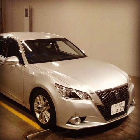 Mobil dinas Menteri Jokowi Toyota Crown Hybrid 2.5 HV G Executive