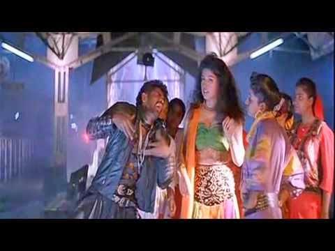 Chikku Bukku Chikku Railu lyrics | Madha Gaja Raja Songs