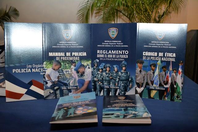 Policía Nacional fortalece doctrina de actuación con reglamentos y manuales
