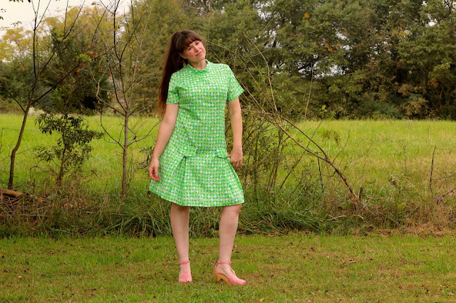 https://www.etsy.com/listing/253434292/vintage-70s-green-shift-dress-modern-sz?ref=shop_home_active_2