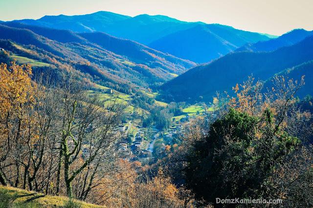 Biforco, widok na Lavane, Dom z Kamienia blog