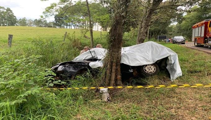 Mulher e criança morrem em acidente na PR-471