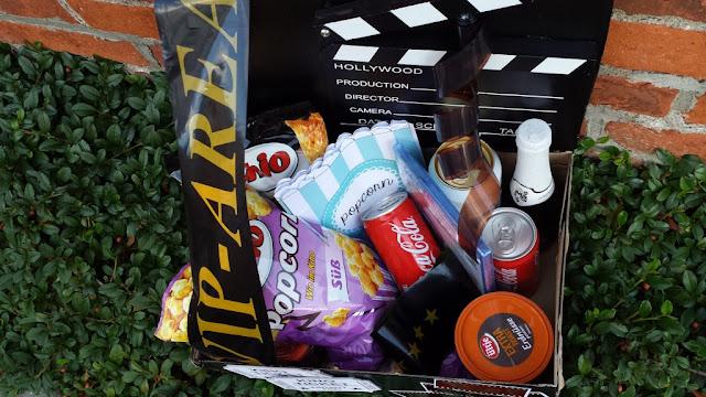 Kinogutschein aus einem Karton basteln