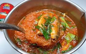 วิธีทำแกงปลากระป๋องใส่วุ้นเส้น เมนูบ้านๆที่ทำง่ายมาก อร่อย และประหยัดด้วย