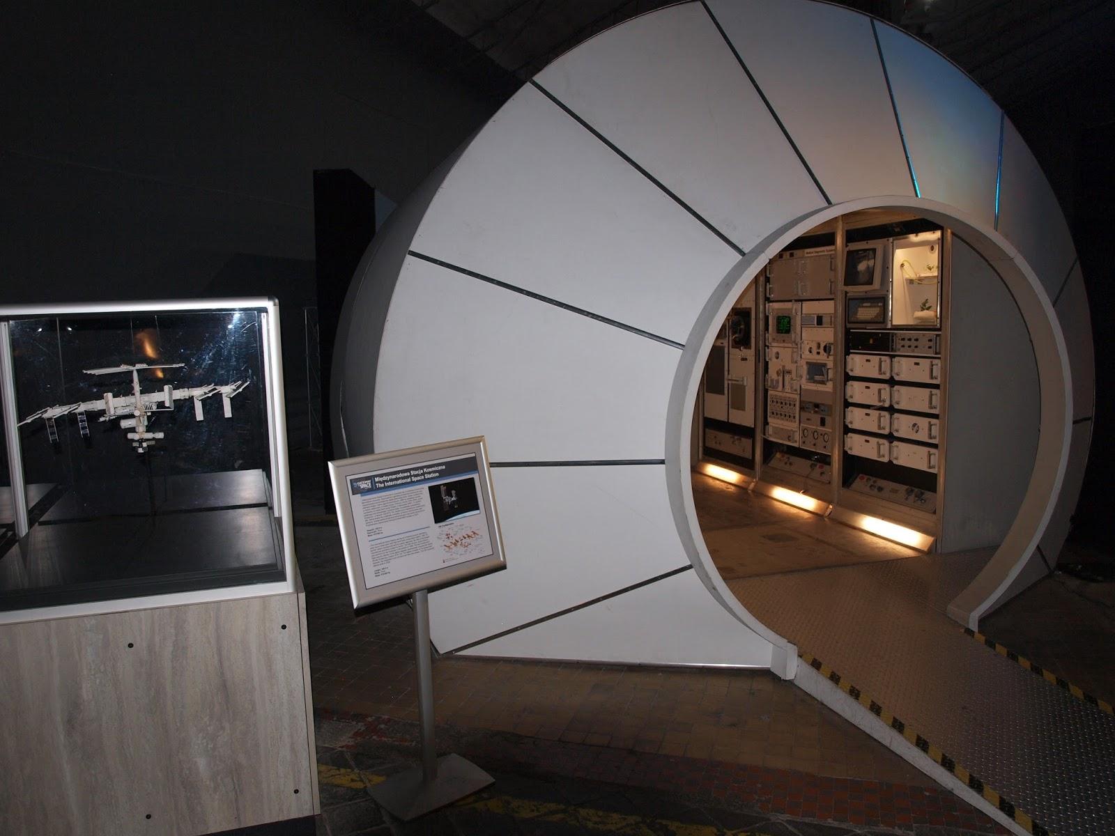 Replika jednego z modułu ISS - laboratorium Destiny | Fot: polskiastrobloger.pl