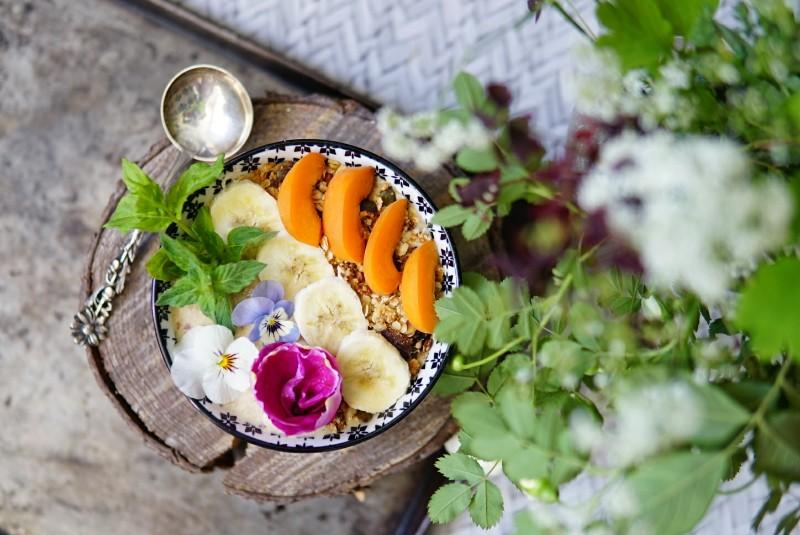 Aamiainen, puuro, syötävät kukat