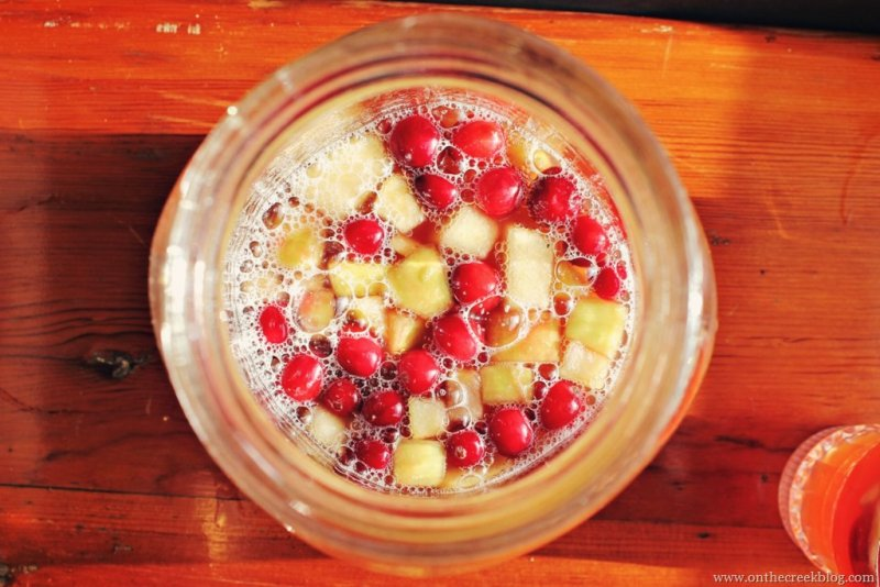 Caramel apple punch drink recipe | On The Creek Blog // www.onthecreekblog.com