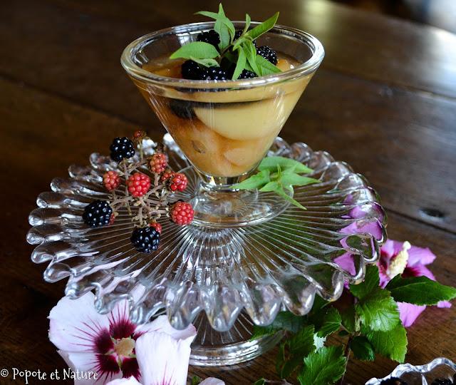 Verrines de poires au sirop léger de verveine citronnelle et mûres sauvages © Popote et Nature