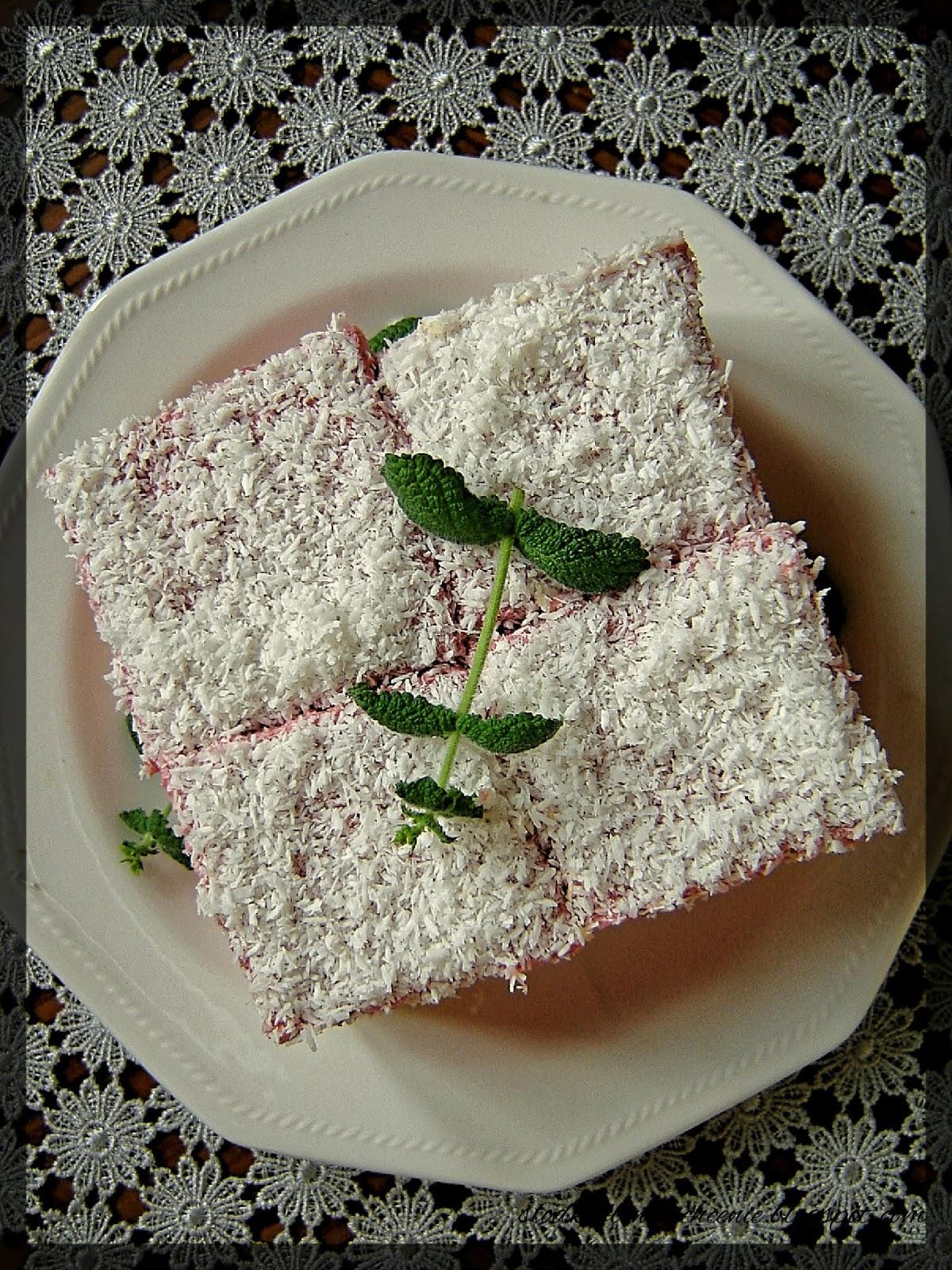 Ciasto truskawkowo-budyniowe (bez pieczenia)