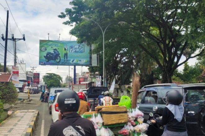 Lampu Lalu Lintas Rusak di Bone Bahayakan Pengguna Jalan
