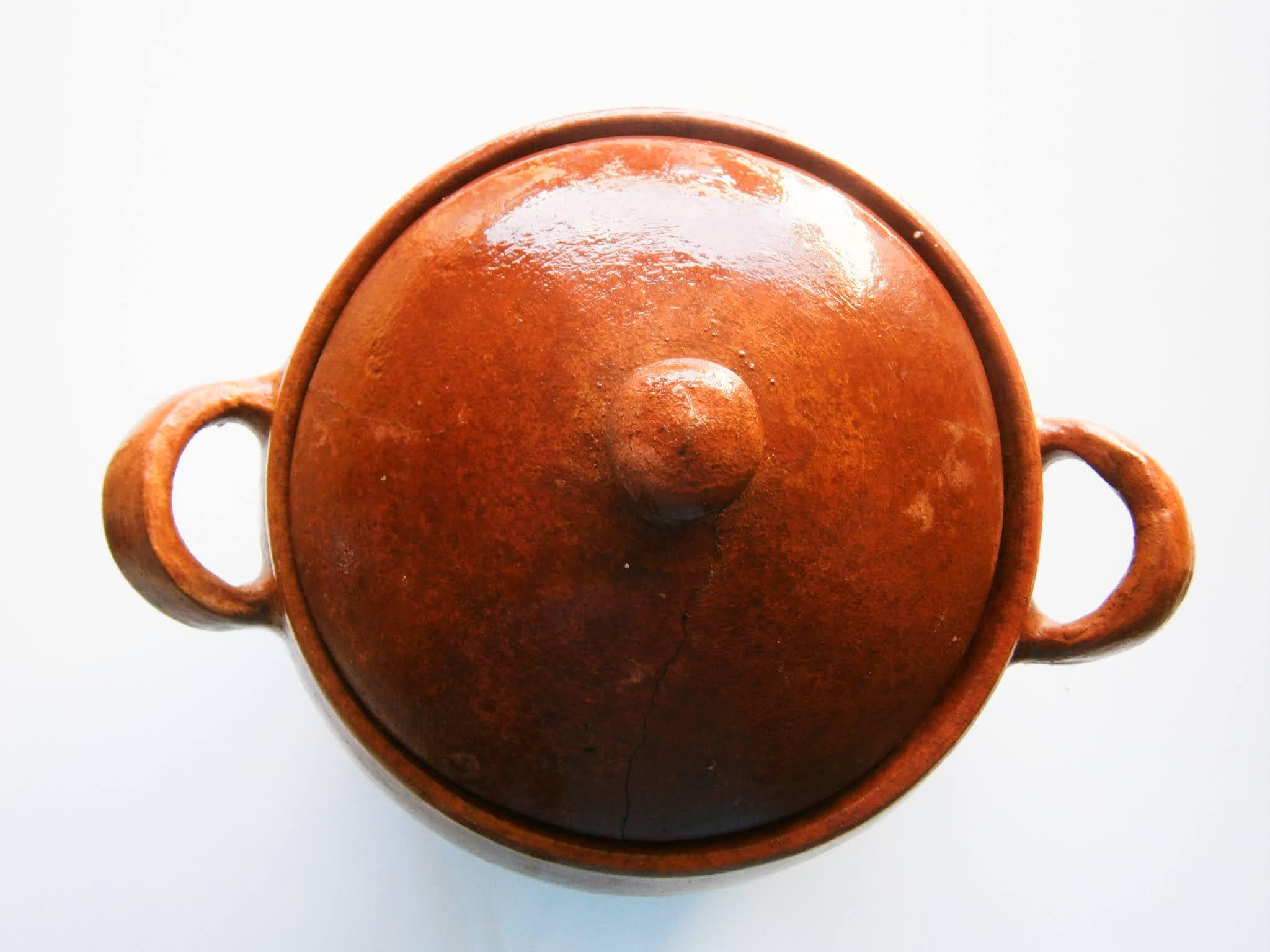 Olla de barro usado en la cocina peruana y otras cocinas del mundo