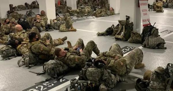Το «ευχαριστώ» της Αμερικανικής Γερουσίας στην Εθνοφρουρά - Τους έβαλαν να κοιμούνται σε γκαράζ! (βίντεο)