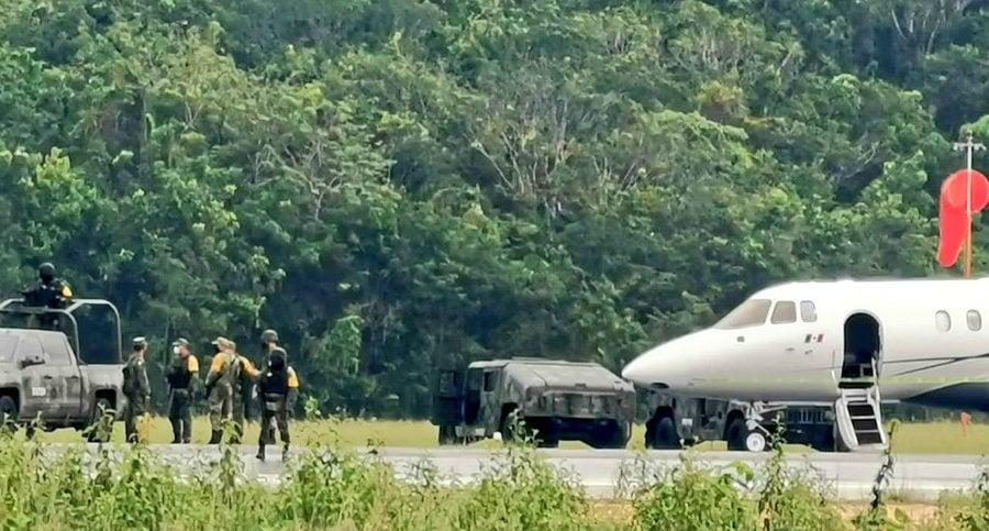 Ejercito mete otro Madraz...o al Narco, tres Jets invadieron territorio en Quintana Roo, uno fue asegurado con Tonelada y Media de Coca