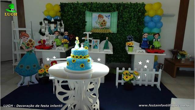 Decoração festa Frozen aniversário da Anna - Provençal simples com muro inglês e elipse