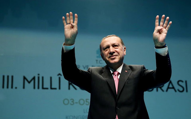 Περιπλέκεται το δημοψήφισμα για τον Ερντογάν