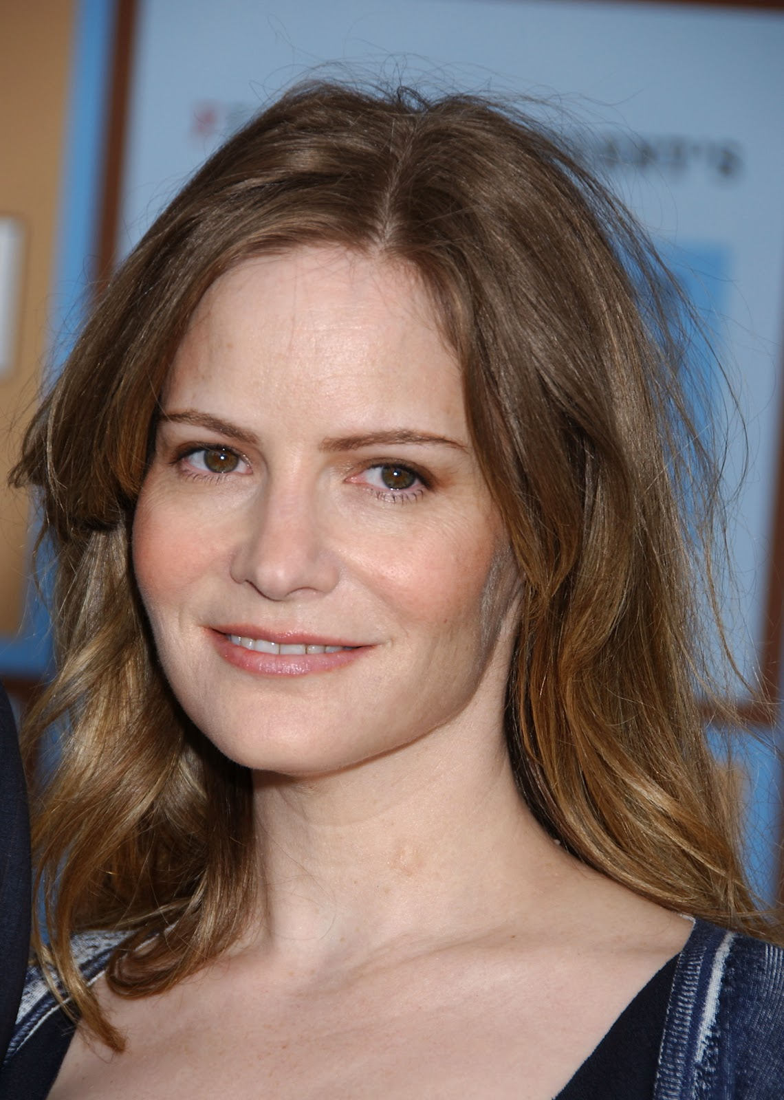 Jennifer Jason Leigh Old Hairstyle
