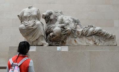 Guardian: Τα βρετανικά μουσεία αντιμέτωπα με συνεχή αιτήματα επιστροφής ξένων αρχαιοτήτων