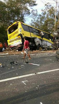 Kronologi Kecelakaan Rombongan Bus IGTKI kec Gresik di situbondo