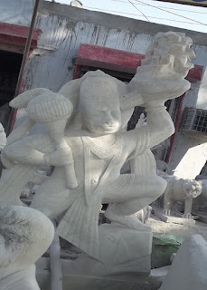 sculptures in jaipur made of marble at delhi highway