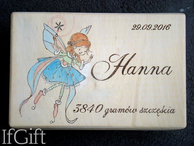 drewniana skrzynka dla dziewczynki