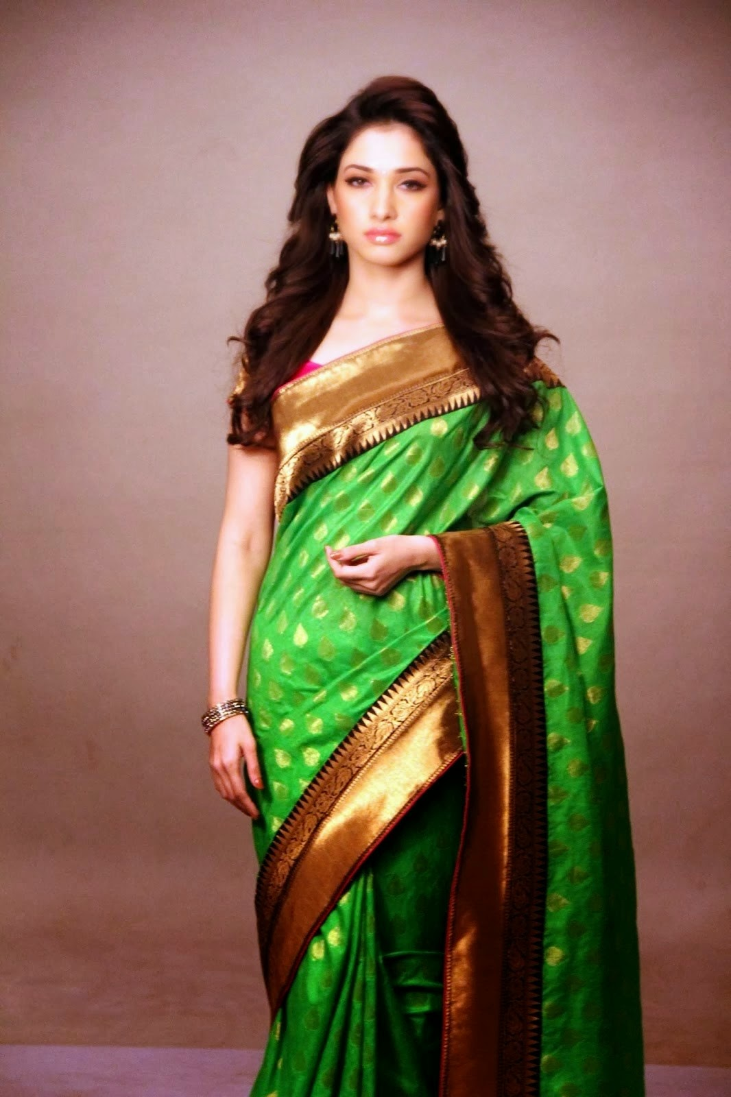 Tamannaah Bhatia Hot Hip Show Photos In Green Saree