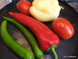 Legume la gratar reteta de casa rosii coapte si ardei copti la grill sau tigaie retete pentru fripturi si gratare,