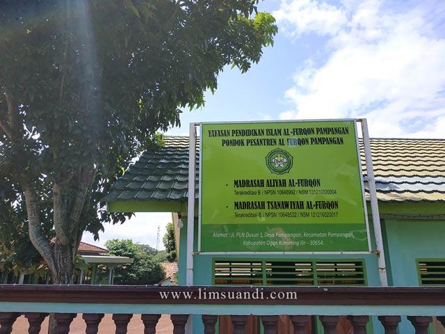 Gerbang Ponpes Al Furqon Pampangan
