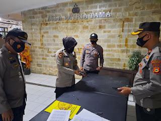 Tingkatkan Pengawasan Anggota, Polres Pelabuhan Makassar Cek Perlengkapan Senjata Api