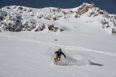 Skifahren im freien Gelände