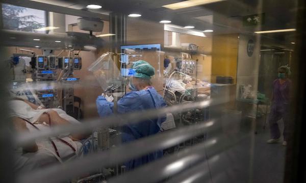 Top European teaching hospitals running out of coronavirus drugs