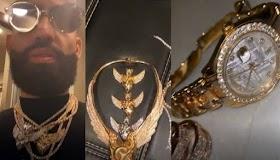 Arcángel muestra su nueva colección de prenda en Oro y Diamante