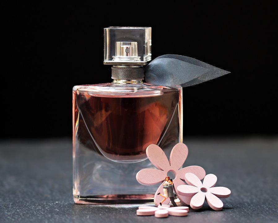 woda-perfumowana-toaletowa-perfumy