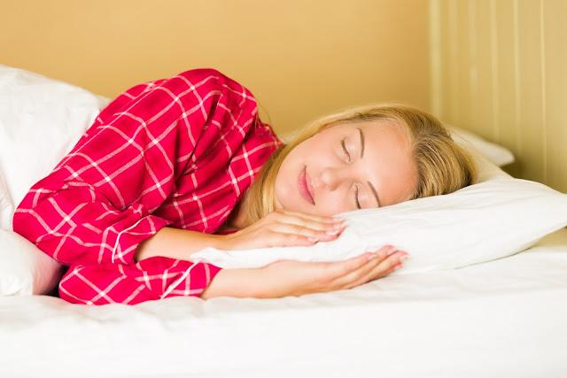 सुबह बिस्तर छोड़ने के बाद रहें ज्यादा सावधान। बिस्तर से उठने का सही तरीका।  नुकसानदेह है उंगलियों को चटकाते रहना। उंगलियां चटकाने से नुकसान।